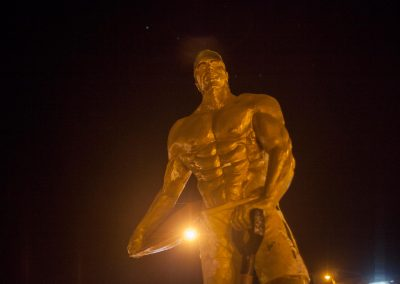 A statue dedicated to gold miners.
